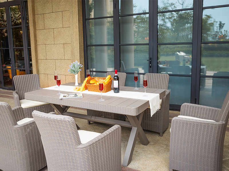 outdoor plastic dining set
